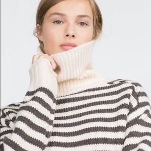 ZARA TURTLENECK STRIPED CHUNKY SWEATER